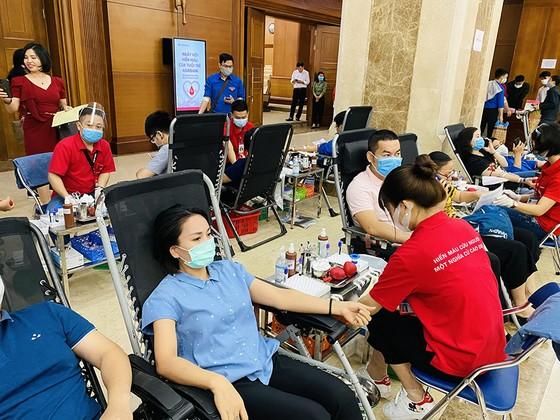 Đoàn thanh niên Agribank tổ chức chương trình hiến máu tình nguyện ảnh 3