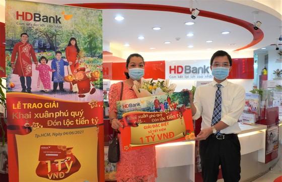 Khách hàng trúng hơn 11 tỷ đồng từ HDBank ảnh 1