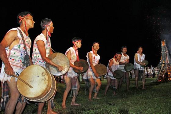 Đồng bào các dân tộc mở hội cồng chiêng ở Lâm Đồng ảnh 4