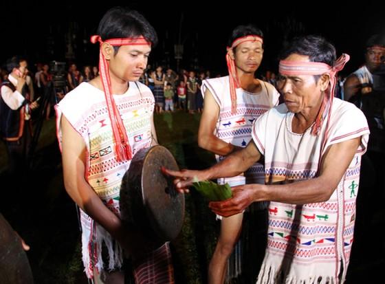 Đồng bào các dân tộc mở hội cồng chiêng ở Lâm Đồng ảnh 1