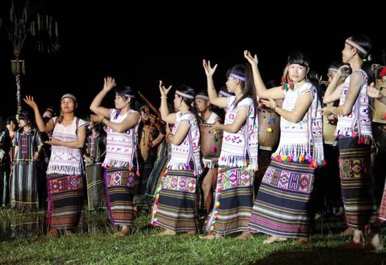 Đồng bào các dân tộc mở hội cồng chiêng ở Lâm Đồng ảnh 6