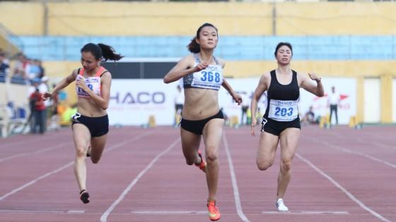 Lê Tú Chinh (giữa) tự tin hướng đến SEA Games 29. Ảnh: Thiên Hoàng