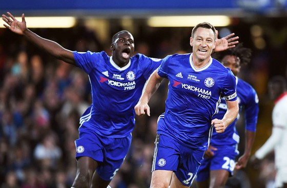 John Terry mừng bàn thắng ý nghĩa