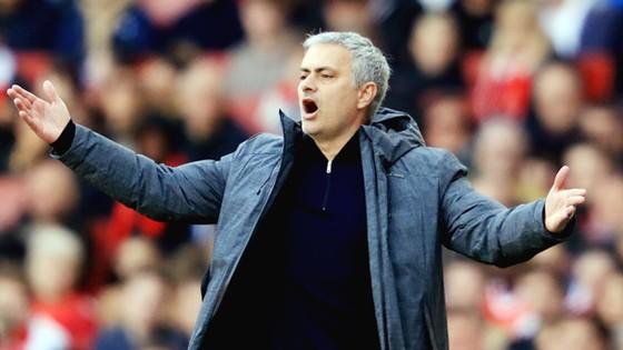 Jose Mourinho liên tục bày tỏ thất vọng về lịch trình thi đấu bất lợi của Man.United