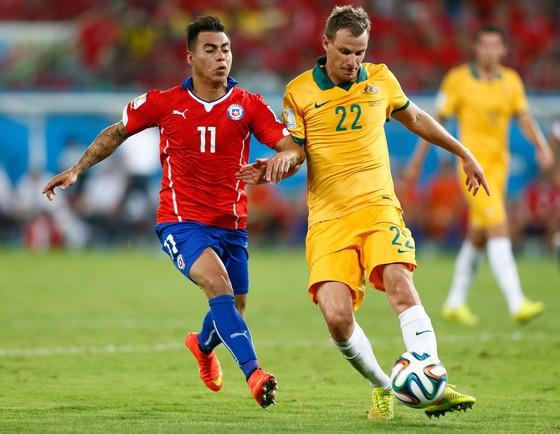 Australia (phải) khó tạo nên bất ngờ trước Chile