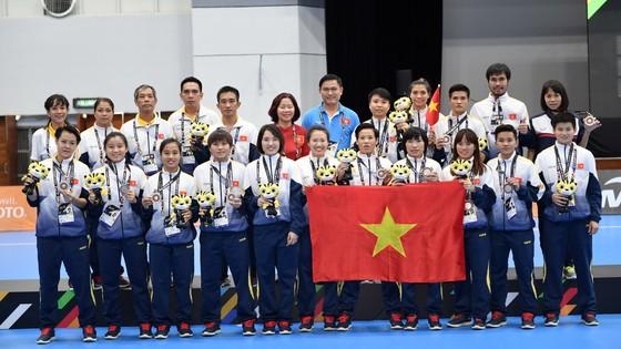 Futsal nữ Việt Nam hoàn thành chỉ tiêu lọt vào tốp 2