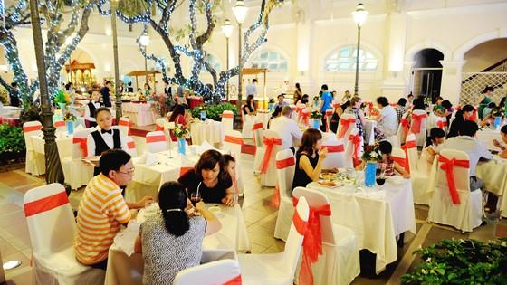 Ẩm thực, vui chơi giải trí dịp Giáng sinh & Năm mới 2018 tại hệ thống Saigontourist ảnh 3