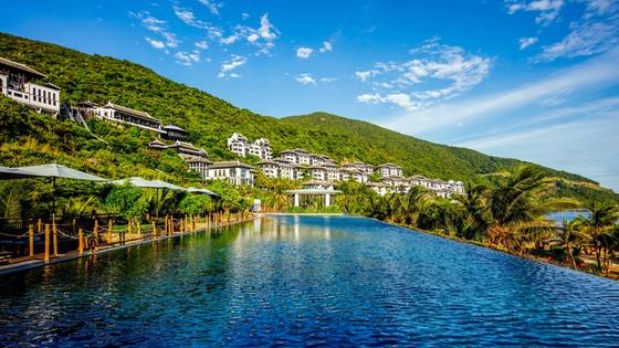 Ca sĩ Leona Lewis cùng bạn trai đón năm mới tại InterContinental Danang Sun Peninsula Resort ảnh 5