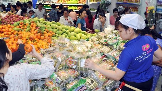 Hệ thống siêu thị Co.opmart bắt đầu giảm giá hàng hóa Tết ảnh 2