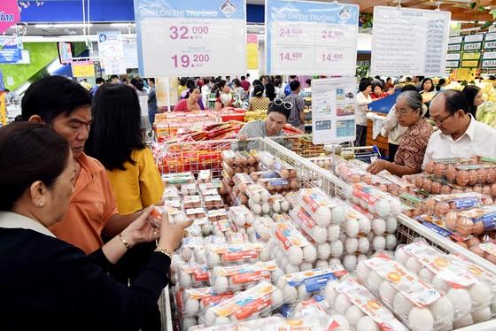 Siêu thị Co.opmart Tân Thành khai trương giảm giá sâu và tặng Iphone X  ảnh 1