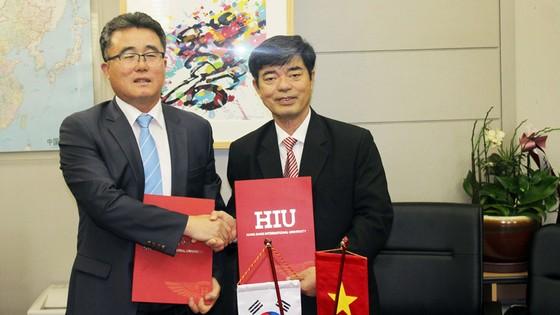 HIU hợp tác ngành điều dưỡng và golf với Nhật Bản, Hàn Quốc ảnh 3