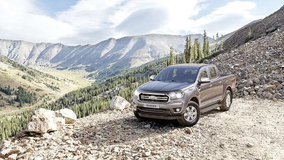 Ford Việt Nam công bố giá bán các phiên bản của 2 dòng xe Ranger và Everest mới ảnh 2