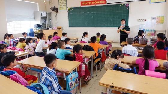 Ăn trưa 5 món tại trường tiểu học Chu Văn An – Hà Nội ảnh 1