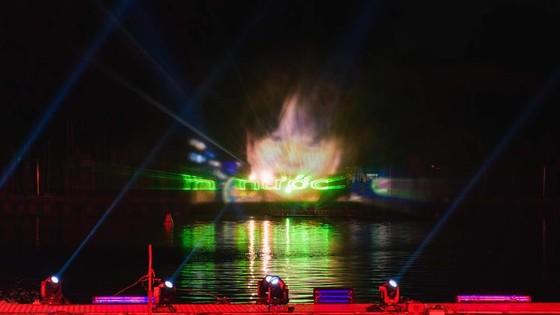 """""""Đầm Sen by night"""" và màn hình nước 3D khổng lồ ảnh 2"""