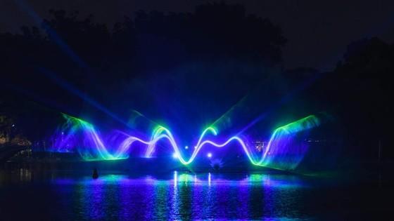 """""""Đầm Sen by night"""" và màn hình nước 3D khổng lồ ảnh 6"""
