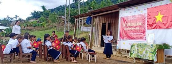 Lễ khai giảng đầy xúc động tại điểm trường miền núi Quảng Nam ảnh 1