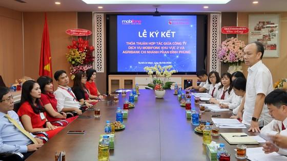 Agribank Chi nhánh Phan Đình Phùng và Mobifone Khu vực 2: Cùng hợp tác hướng tới lợi ích thiết thực ảnh 2
