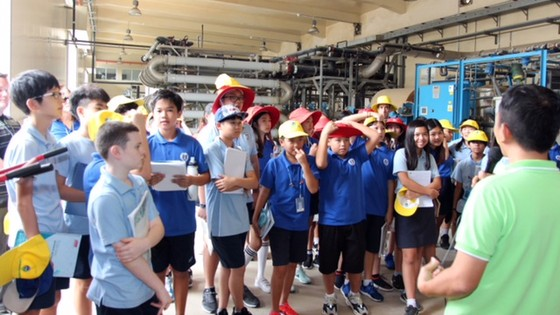 Học sinh trường Quốc tế Nam Sài Gòn  tham quan VWS ảnh 3