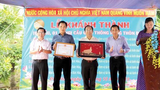 Khánh thành cầu từ thiện tại các xã nghèo tỉnh Long An ảnh 2