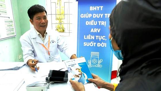 Thách thức trong điều trị HIV/AIDS ảnh 1