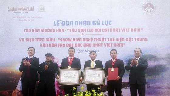 Sa Pa tự hào nhận cùng lúc 2 kỷ lục Việt Nam về du lịch ảnh 1