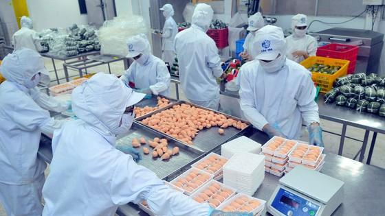 TPHCM đưa 12 nhóm mặt hàng vào diện bình ổn giá, tăng lượng hàng lên 35%-50% ảnh 1