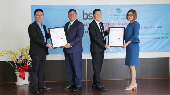 BSI trao chứng nhận ISO 9001 và ISO 14001 cho VWS ảnh 1