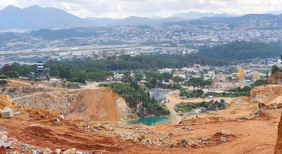 Mặt trái khai thác khoáng sản ở Tây Nguyên - Bài 2: Núi đồi nham nhở, sông sạt lở ảnh 1