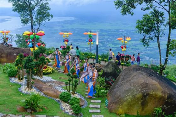 Đổi gió cuối tuần ở Tây Ninh, đừng quên check-in những địa điểm nổi tiếng này ảnh 2