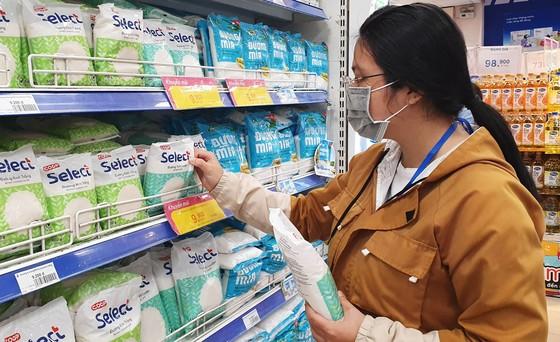 Mua hàng chính hãng, chất lượng với giá cực rẻ tại chuỗi siêu thị lớn nhất Việt Nam ảnh 1