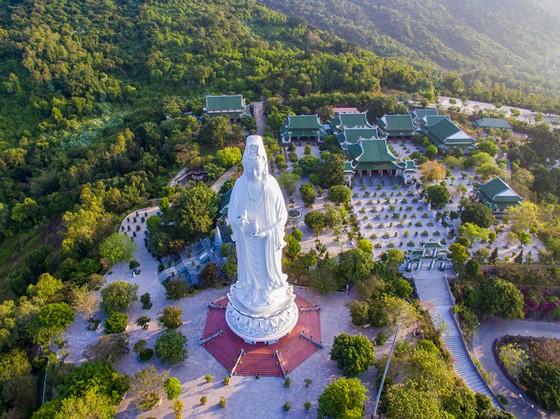 Cận tết, du khách bắt đầu 'săn tour' du xuân kết hợp lễ Phật cầu an ảnh 4