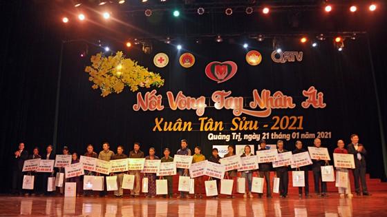 Hà Tĩnh, Quảng Trị: Huy động chăm lo tết cho người dân ảnh 1