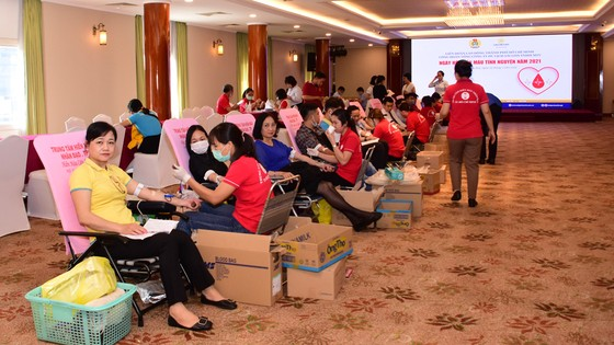Khách sạn Rex hưởng ứng tham gia Chương trình hiến máu tình nguyện của Tổng Công ty Saigontourist ảnh 2