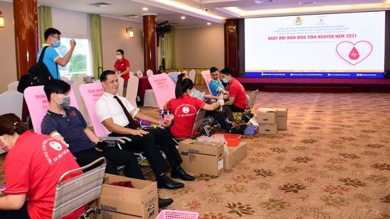 Khách sạn Rex hưởng ứng tham gia Chương trình hiến máu tình nguyện của Tổng Công ty Saigontourist ảnh 1