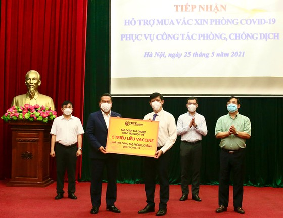 T&T Group trao tặng 1 triệu liều vaccine phòng Covid-19 ảnh 1