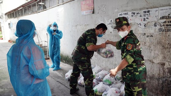 Bộ đội Quân khu 7 tiếp sức chương trình thiện nguyện  ảnh 1