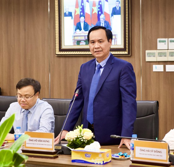 Quảng Trị trao quyết định chủ trương đầu tư dự án Trung tâm điện khí LNG Hải Lăng trị giá 2,3 tỷ USD ảnh 3