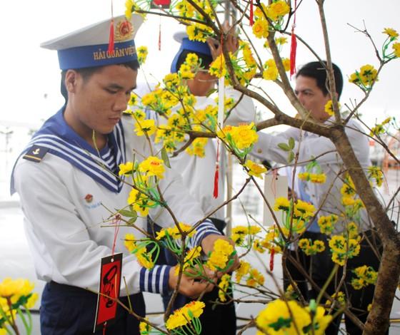 Chiến sĩ Vùng 3 Hải Quân đón tết trên biển ảnh 5