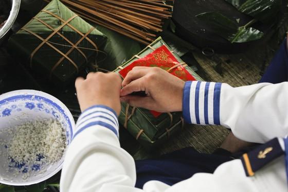 Chiến sĩ Vùng 3 Hải Quân đón tết trên biển ảnh 1