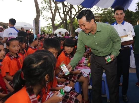 Nhân đôi niềm vui cho trẻ nhân ngày Quốc tế thiếu nhi 1-6 ảnh 1