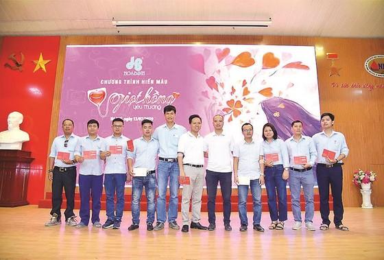 """Tập đoàn Xây dựng Hòa Bình tổ chức chương trình """"Giọt hồng Yêu thương 2019"""" thành công tốt đẹp ảnh 2"""