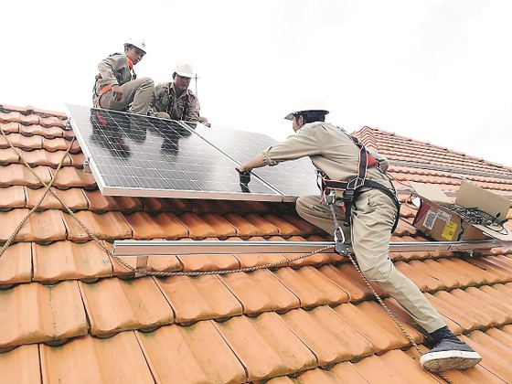 Tổng công ty Điện lực miền Nam (EVNSPC): Tăng cường phát triển năng lượng điện tái tạo ảnh 3