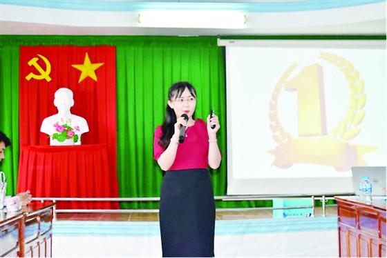 """Công ty TNHH MTV XSKT Đồng Tháp tổ chức lớp """"Nghệ thuật thuyết trình - Nâng cao tinh thần trách nhiệm trong công việc"""" cho CB-CNV ảnh 1"""