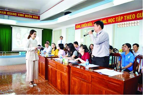 """Công ty TNHH MTV XSKT Đồng Tháp tổ chức lớp """"Nghệ thuật thuyết trình - Nâng cao tinh thần trách nhiệm trong công việc"""" cho CB-CNV ảnh 2"""