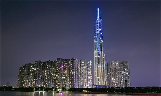 'Nụ cười Việt Nam' tỏa sáng trên tháp Landmark 81 truyền đi thông điệp hòa bình ảnh 1