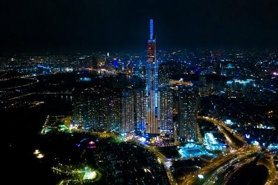 'Nụ cười Việt Nam' tỏa sáng trên tháp Landmark 81 truyền đi thông điệp hòa bình ảnh 2