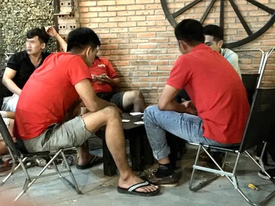 Chuyện thường ngày ở khu dân cư: Nạn cờ bạc trong quán cà phê ảnh 1