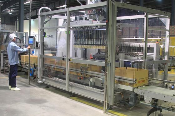 Thắt chặt kiểm soát chất lượng nguồn nguyên liệu sản xuất sữa ảnh 1
