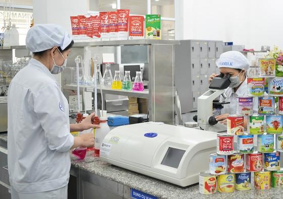 Thắt chặt kiểm soát chất lượng nguồn nguyên liệu sản xuất sữa ảnh 2