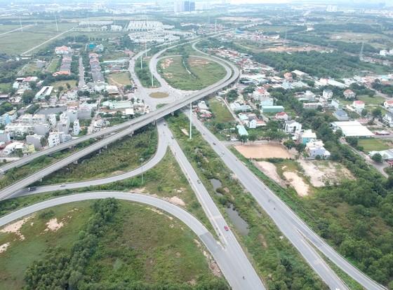 Sức bật hạ tầng khu Đông ảnh 1